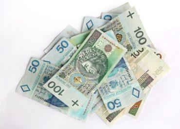 Ekonomiści apelują o uproszczenie systemu podatkowego. Mogłoby to pobudzić rynek pracy i inwestycje firm.