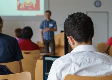 73% uczniów odczuwa stres, niepewność i strach po powrocie do stacjonarnej szkoły