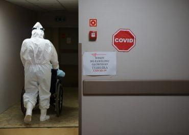 Duży wzrost zakażeń na Covid-19 i dużo ofiar.