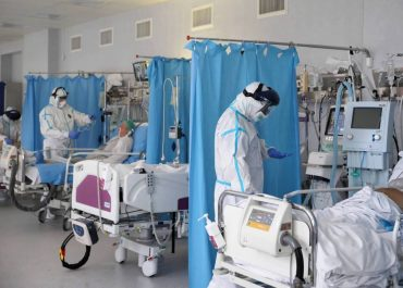 Trzecia fala już widoczna w szpitalach.