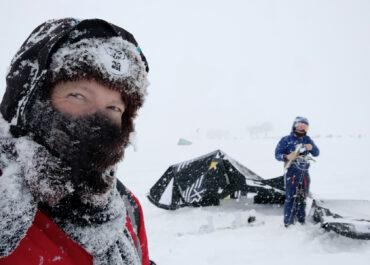 Obeszli zakaz jazdy na nartach