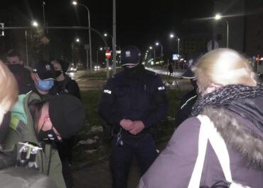Strajk kobiet przed siedzibą Solidarnej Polski w Kielcach