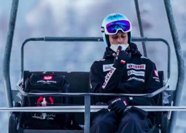 Słabszy występ Polaków, upadek Graneruda, triumf Johanssona. Ogromne emocje w niedzielnym konkursie Pucharu Świata w Lahti