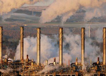 Ropa naftowa w USA lekko zyskuje
