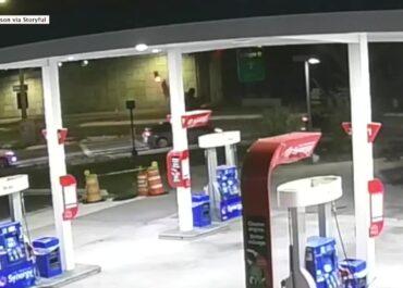 Samochód spadł z wiaduktu w Orlando
