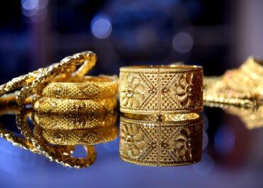 Skarbówka sprzedaje złotą biżuterię z przemytu