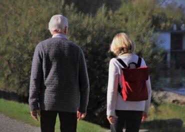 Wirus kręci emeryturą.