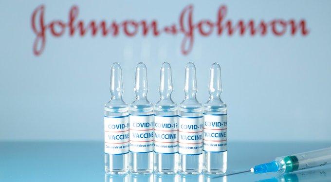 Szczepionka Johnson&Johnson zatwierdzona w USA.