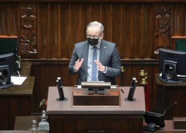 Sejm wysłuchał informacji rządu o stanie służby zdrowia w trzeciej fali pandemii.
