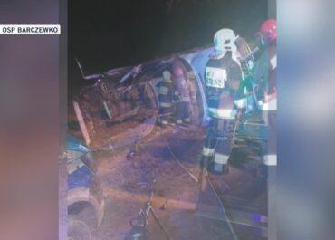 Dwoje nastolatków zginęło w wypadku niedaleko Olsztyna. Prokuratura zamierza postawić zarzuty 19-letniemu kierowcy, który nie miał prawa jazdy