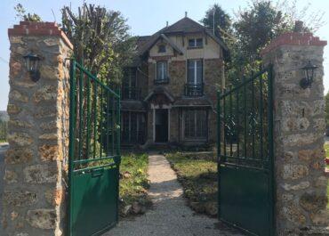 3,5 mln zł wyda rząd na jeden dom pod Paryżem.