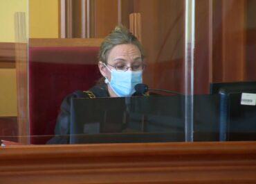 Była zakażona koronawirusem, chodziła na zakupy. W areszcie spędziła pięć miesięcy, teraz usłyszała wyrok.