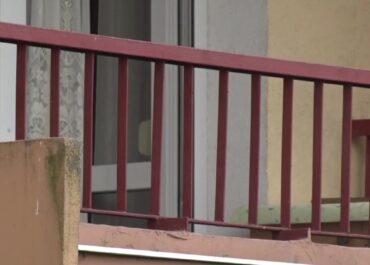 Półtoraroczne dziecko wypadło z trzeciego piętra jednego z bloków w Lublinie.