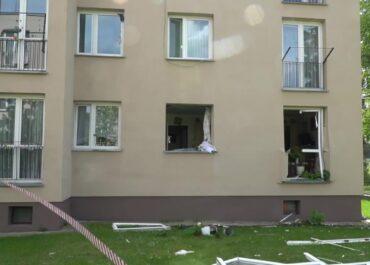 Wybuch butli z gazem w bloku mieszkalnym w Janowie Podlaskim. Dwie osoby trafiły do szpitala.