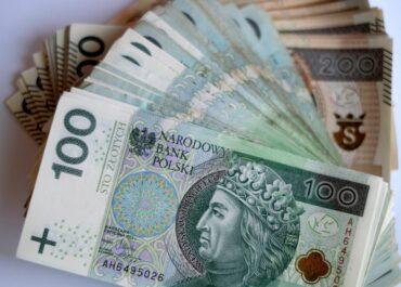 Co trzeci pracodawca chce płacić pracownikom z Ukrainy więcej niż Polakom.