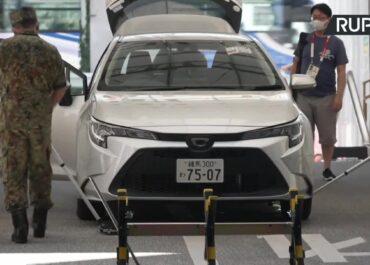 Igrzyska w Tokio: Wzmożone środki bezpieczeństwa w centrum prasowym. Dziennikarze są poddawani skrupulatnej kontroli