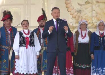 Prezydent A. Duda na dożynkach w Zbylitowskiej Górze.