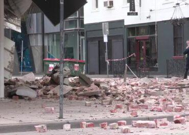 Trzęsienie ziemi w Melbourne. Runęła fasada restauracji, nikomu nic się nie stało.
