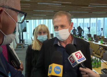 """""""Syn był tak silny, że kajdanki rozerwał"""", """"To skandal, że ci funkcjonariusze nie są zawieszeni"""". Sejmowa komisja bada śmierć zatrzymanego w Lubinie"""