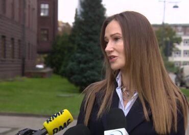 """""""Nie ma motywu"""". Prokuratura o śmiertelnym ataku nożownika w Oleśnicy."""