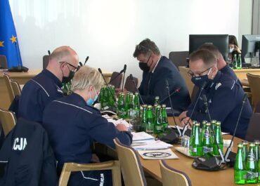 Śmierć trzech młodych mężczyzn na Dolnym Śląsku. Policja odpowiadała na pytania przed sejmową komisją