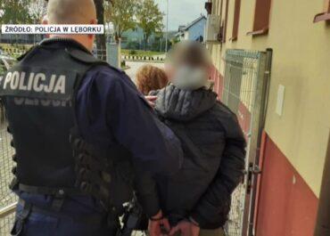 Bracia znęcali się nad swoją 73-letnią babcią. Usłyszeli zarzuty i zostali aresztowani