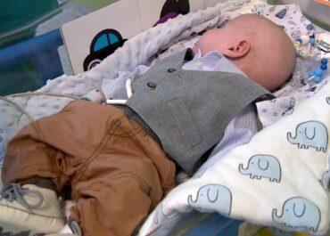 Gdy się urodził ważył 810 gramów. Mały Ignaś po pięciu miesiącach w szpitalu wypisany do domu.