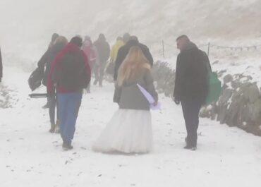 Śnieg w Tatrach. Warunki zaskoczyły turystów na Kasprowym Wierchu