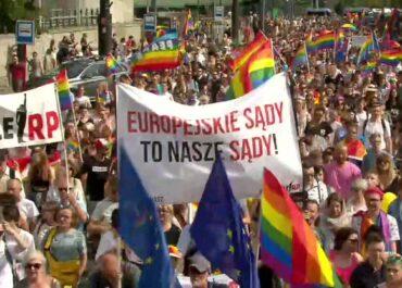 """Kaja Godek chce zakazać parad równości. Projekt ustawy """"Stop LGBT"""" ma być rozpatrywany w Sejmie."""