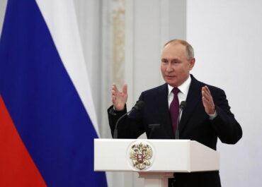 Putin zamyka na tydzień miejsca pracy. Duży skok zakażeń w Rosji.